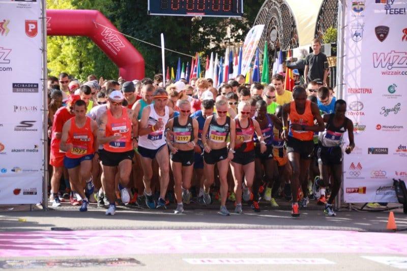 Сите на стартната линија   уште 8 дена за пријавување на Виз Ер Скопски маратон