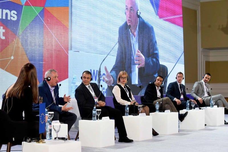 Неопходни се промени во Балканските образовни системи   еден од заклучоците од дебатата за дигитални вештини на Дигиталниот Самит
